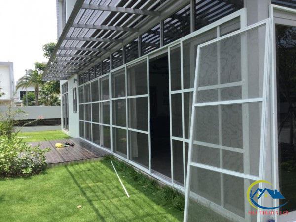 ưu nhược điểm cửa lưới chống muỗi