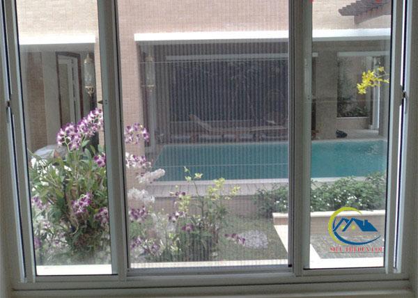 Mẫu cửa lưới chống muỗi dạng lùa cho cửa sổ