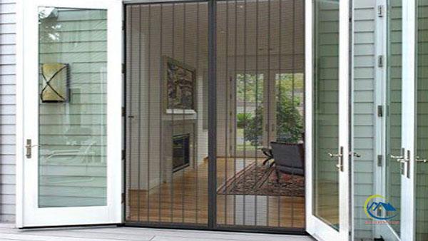 Mẫu cửa lưới chống muỗi dạng lùa cho cửa sổ màu trắng